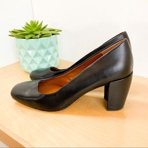 HALSTON Leather Whitney Shoes - gorgeous condition